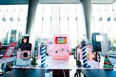 富士instax写字楼巡展上海站-上海金虹桥国际中心